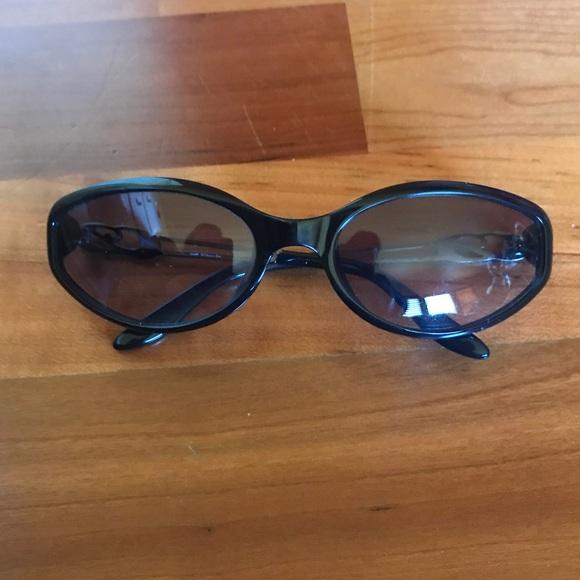 b89dcd3e36ea Dior Accessories - 💯Dior Cat Eye Sunnies- small glasses